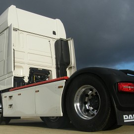 DAF side skirts
