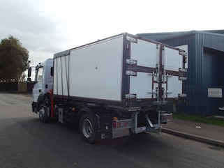 Heavy duty box tipper